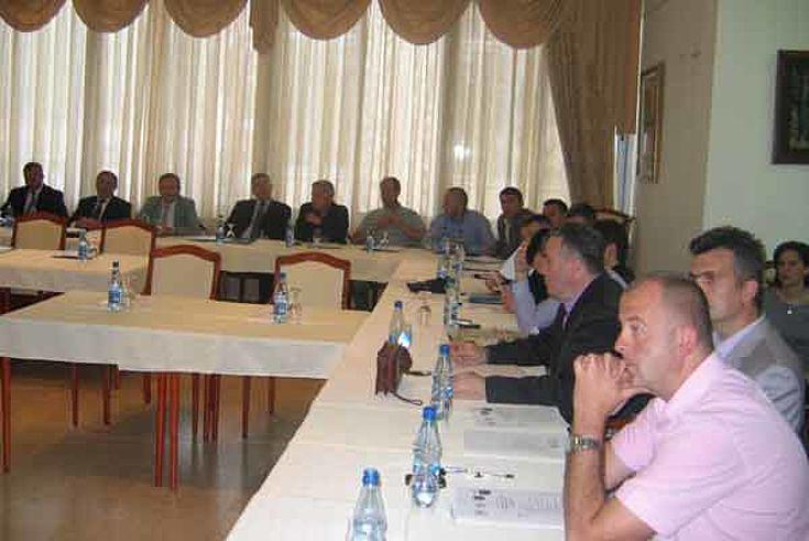 Përfaqësues të policive kufitare të Malit të Zi, Shqipërisë dhe Kosovës